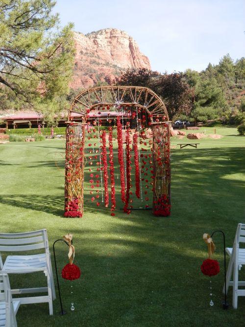 Custom Archway by Allan's Flowers
